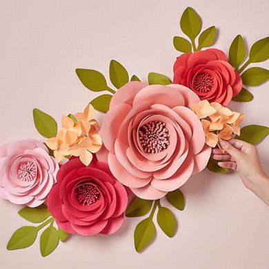DIY giant paper flowers Garden Roses