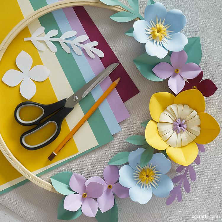 Easy Paper Wreath